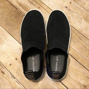 Madden Girl Brytney slip on sneaker size 91/2 GUC